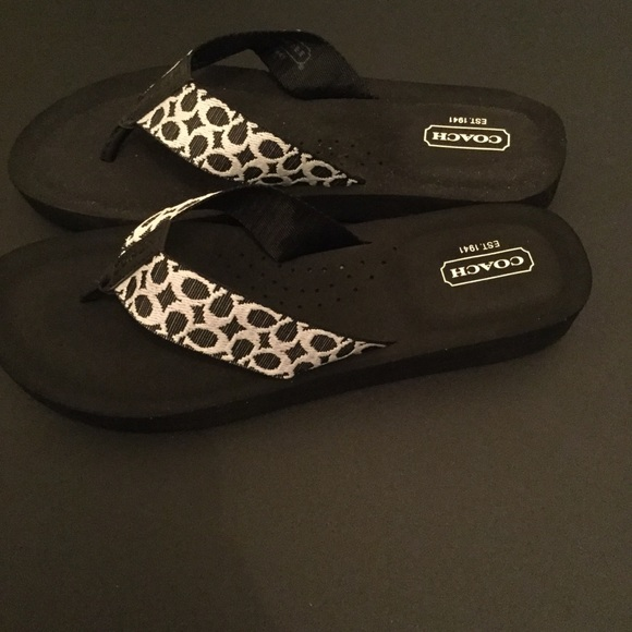 b22da8e57 Coach Black White Flip Flops 8.5 New